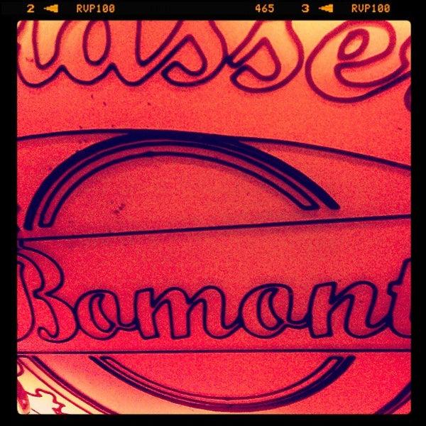 รูปภาพถ่ายที่ Sardunya's Brasserie Bomonti ve Şarap Evi โดย İlkim S. เมื่อ 3/23/2013
