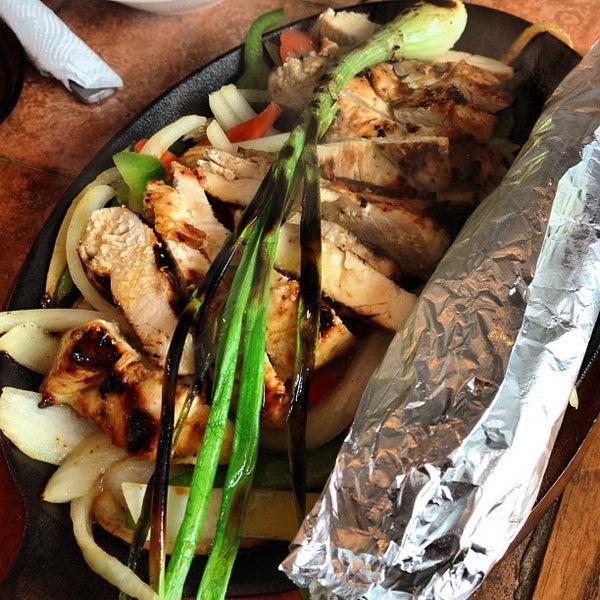 รูปภาพถ่ายที่ Picante's Mexican Grill โดย Eric W. เมื่อ 4/11/2013