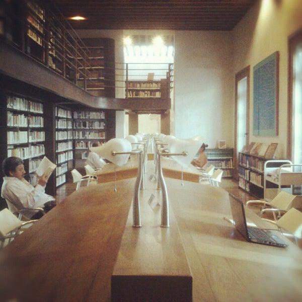 6/8/2013에 Rafael P.님이 Profética - Casa de la Lectura에서 찍은 사진