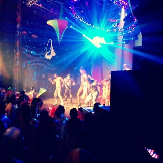 Foto diambil di House of Blues oleh Charlie S. pada 10/28/2012