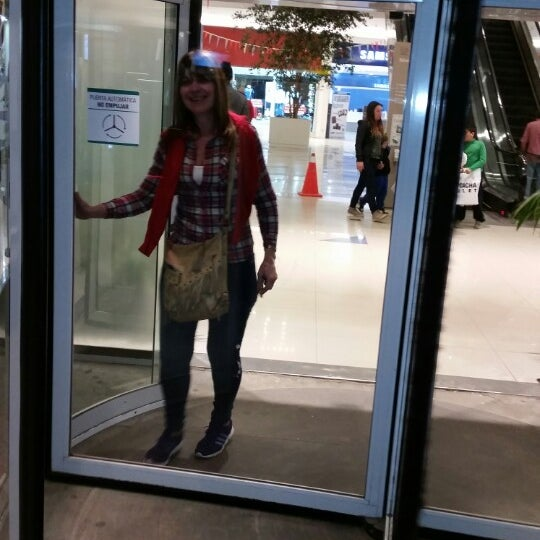 Foto tirada no(a) Costa Urbana Shopping por Ana P. em 8/11/2014