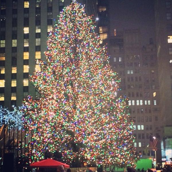 Rockefeller Center Christmas Tree Lighting Performers: Rockefeller Center Christmas Tree Lighting (Now Closed