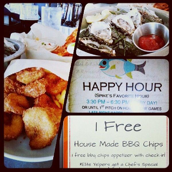 Foto tirada no(a) Spike Africa's Fresh Fish Bar & Grill por Ezzy C. em 8/1/2013