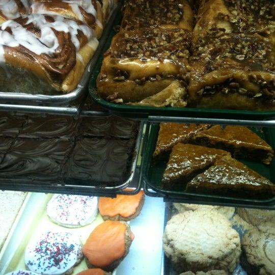 12/7/2012にKristen T.がCops & Doughnuts Bakeryで撮った写真