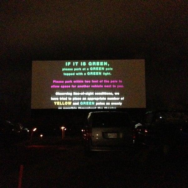 Foto tomada en Starlite Drive-In Theatre por James S. el 3/10/2013