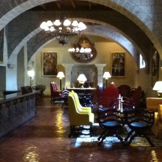 Foto diambil di Belmond Hotel Monasterio oleh Kenneth L. pada 11/6/2012