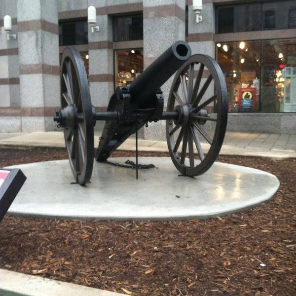 รูปภาพถ่ายที่ North Carolina Museum of History โดย Craig H. เมื่อ 2/23/2013