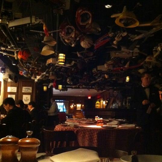 2/3/2013 tarihinde Kristine B.ziyaretçi tarafından 21 Club'de çekilen fotoğraf