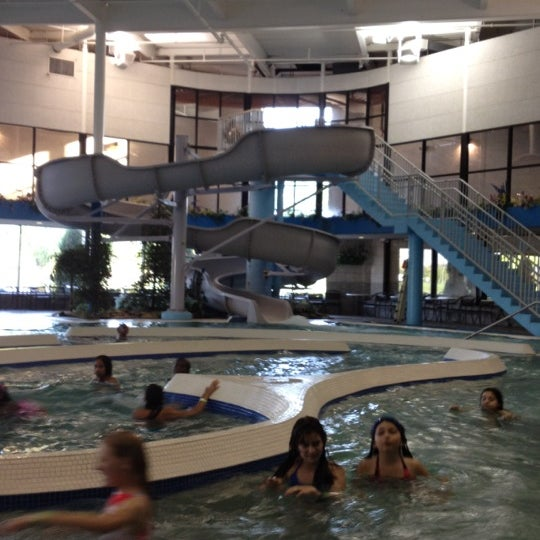 Sterling Park Apartments: Sterling Heights Hotel Waterpark