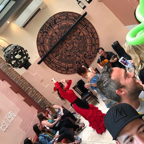6/17/2017 tarihinde Lauren S.ziyaretçi tarafından Tio Pepe Restaurant'de çekilen fotoğraf