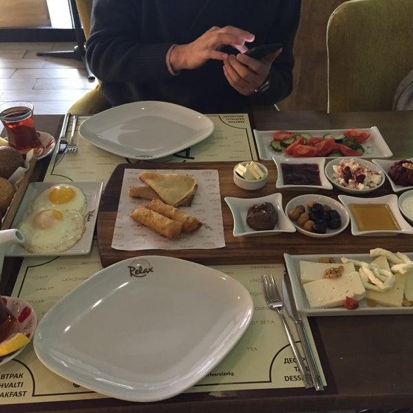 Foto tomada en Coffee Relax por Aybüke Ö. el 2/3/2018