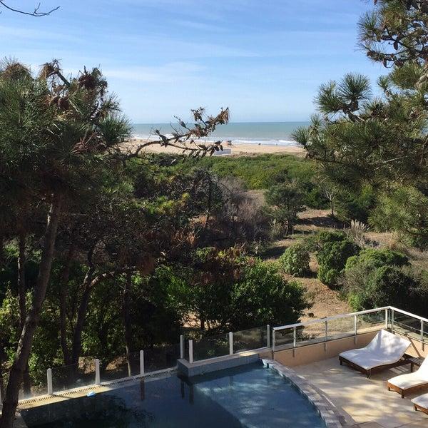 Foto tomada en Jaina Resort & Spa por Pablo S. el 8/1/2015