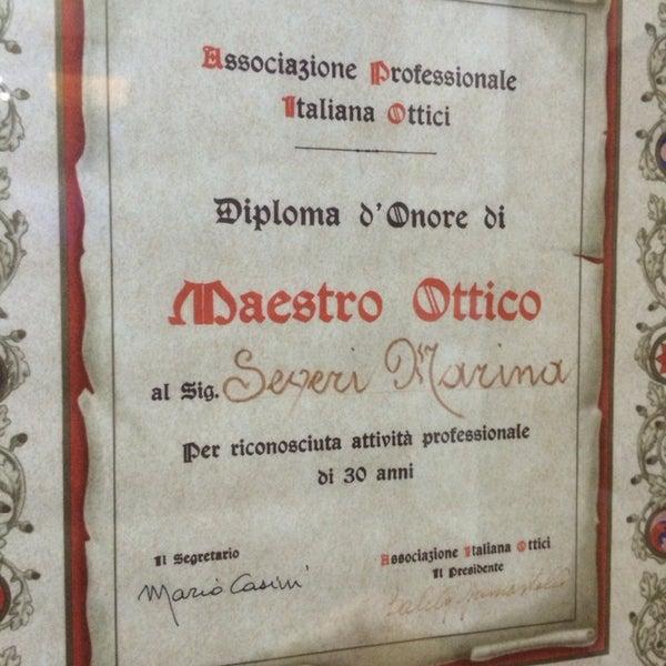 Foto scattata a Ottica Severi dal 1924 da Massimo maCio T. il 7/13/2014