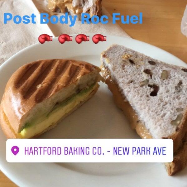 5/13/2017에 Maura D.님이 Hartford Baking Company에서 찍은 사진