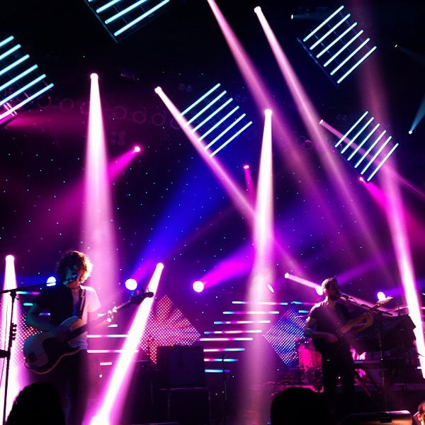 รูปภาพถ่ายที่ Hammerstein Ballroom โดย Sophie M. เมื่อ 10/3/2012