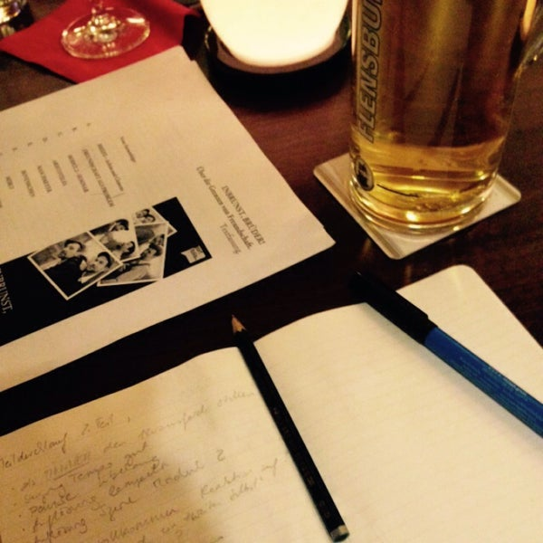 Foto diambil di Cafe Esquina oleh lippunermarc pada 2/10/2015
