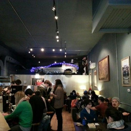 1/5/2013에 mb님이 The Wormhole Coffee에서 찍은 사진
