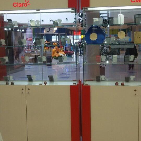 Foto tirada no(a) Costa Urbana Shopping por Nico T. em 6/29/2014