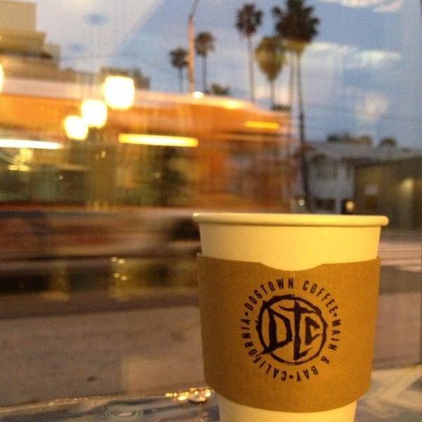 Foto tirada no(a) Dogtown Coffee por Sergey D. em 4/24/2013