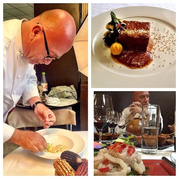 Das Foto wurde bei Restaurante Nicos von Carlos C. am 7/18/2013 aufgenommen