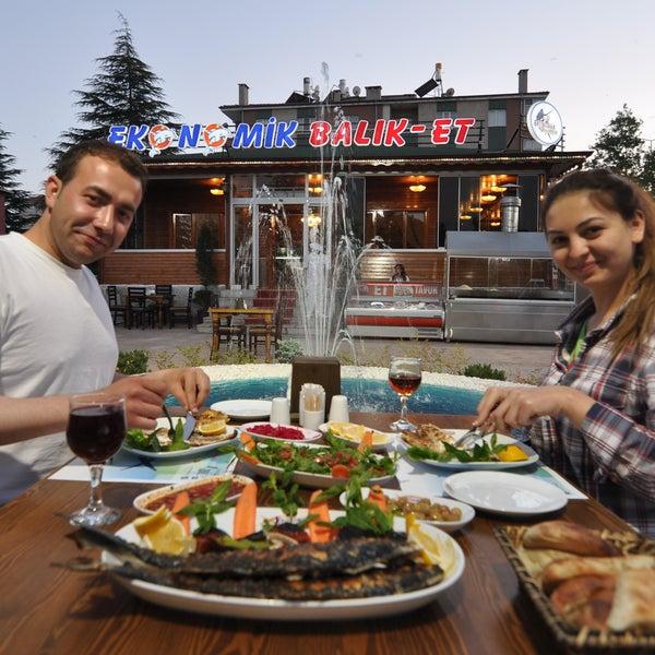 5/27/2015 tarihinde Ekonomik Balık Restaurant Avanosziyaretçi tarafından Ekonomik Balık Restaurant Avanos'de çekilen fotoğraf