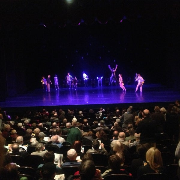 Photo prise au The Joyce Theater par Sharon M. le3/13/2013