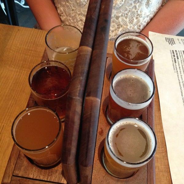 7/18/2013에 Livia W.님이 DryHop Brewers에서 찍은 사진