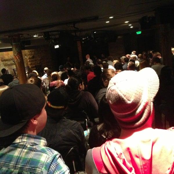 3/10/2013 tarihinde Krissi B.ziyaretçi tarafından Comedy Works Downtown in Larimer Square'de çekilen fotoğraf