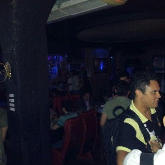 10/17/2012 tarihinde Flávia M.ziyaretçi tarafından Bolshoi Pub'de çekilen fotoğraf