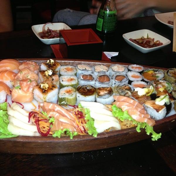 Foto tirada no(a) Kodai Sushi por Robson S. em 1/16/2013
