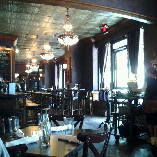 6/10/2012에 Denise R.님이 Rumpus Room - A Bartolotta Gastropub에서 찍은 사진