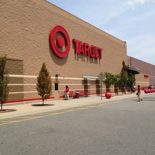 Target - Big Box Store in Jersey City