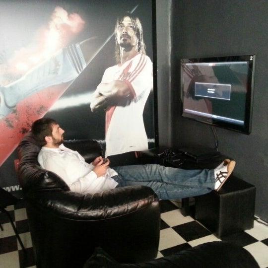 8/29/2012 tarihinde Hüseyin Zeynep H.ziyaretçi tarafından Bandırma KING Playstation'de çekilen fotoğraf