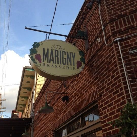 Foto tirada no(a) Marigny Brasserie por Heather C. em 7/1/2012