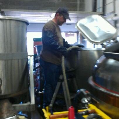 Das Foto wurde bei Strange Craft Beer Company von Michael N. am 5/10/2012 aufgenommen