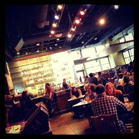 Foto diambil di Amsterdam Bar & Hall oleh Tom H. pada 3/30/2012