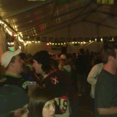 Das Foto wurde bei Eagle Street Grille von ian k. am 3/17/2012 aufgenommen