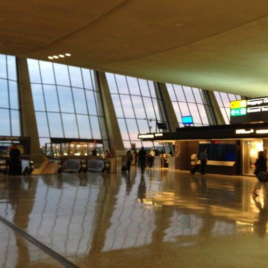 Снимок сделан в Вашингтонский аэропорт имени Даллеса (IAD) пользователем Stephen C. 8/6/2012