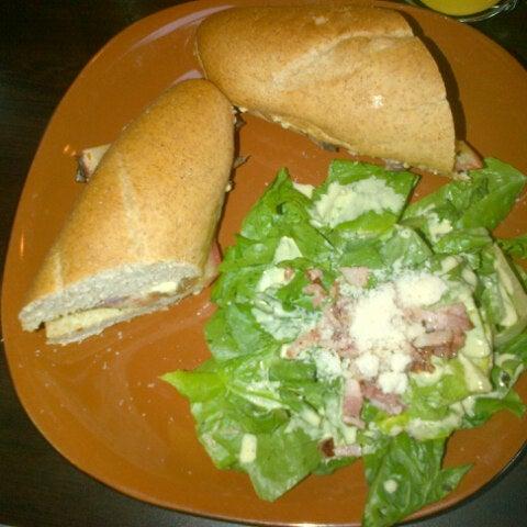 Foto tirada no(a) The Bread Shop por Rolo B. em 8/19/2012