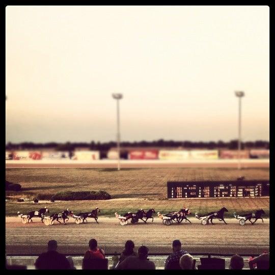Photo prise au Eldorado Gaming Scioto Downs par Carolyn K. le8/27/2012