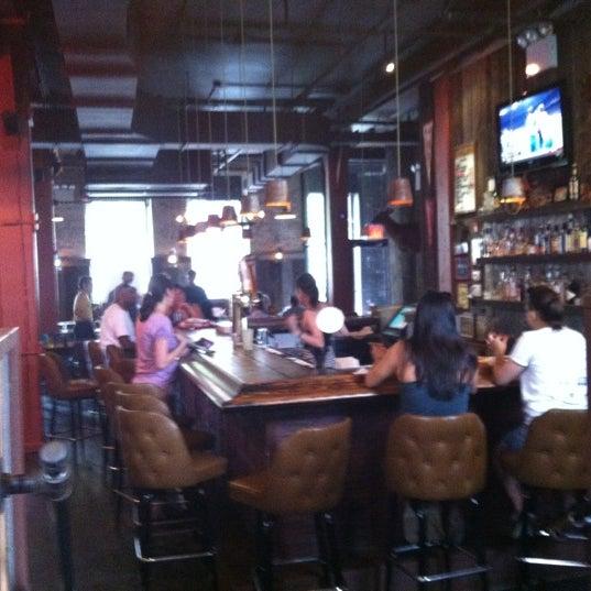รูปภาพถ่ายที่ Mable's Smokehouse & Banquet Hall โดย Miike เมื่อ 6/24/2012