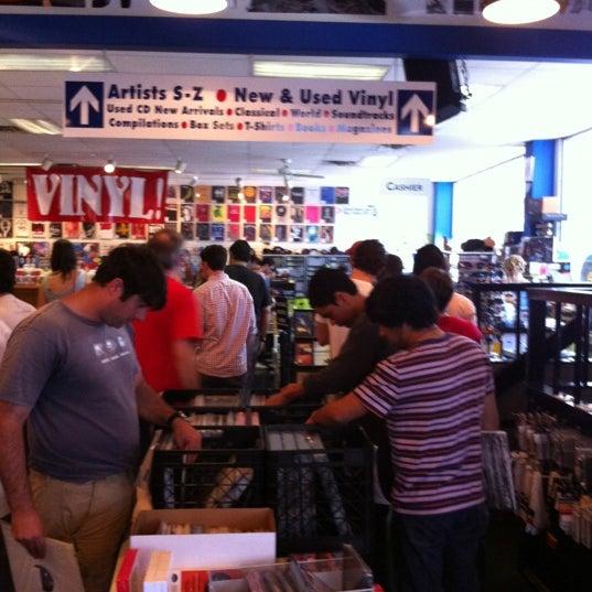 4/21/2012에 Phillip J.님이 Waterloo Records에서 찍은 사진