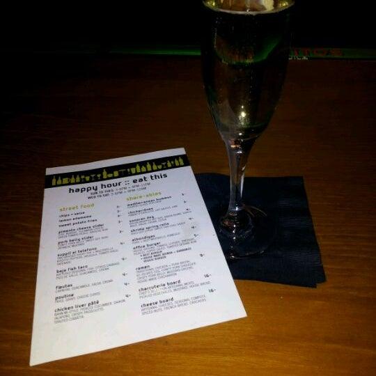 Foto diambil di The Corner Office Restaurant & Martini Bar oleh Nora S. pada 2/9/2012
