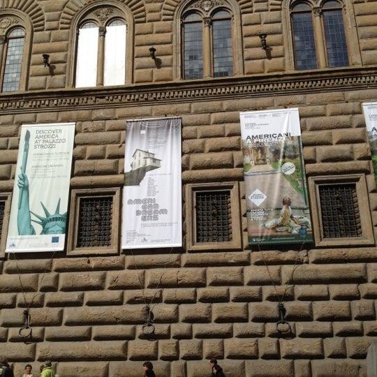 Photo prise au Palazzo Strozzi par Luca M. le4/23/2012