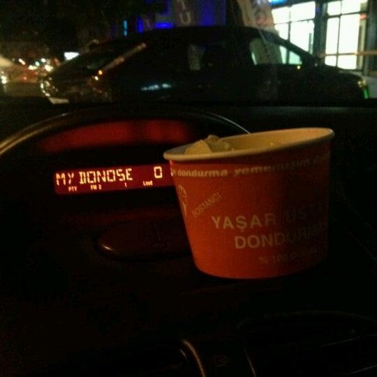 Foto tirada no(a) Dondurmacı Yaşar Usta por Oner em 8/9/2012