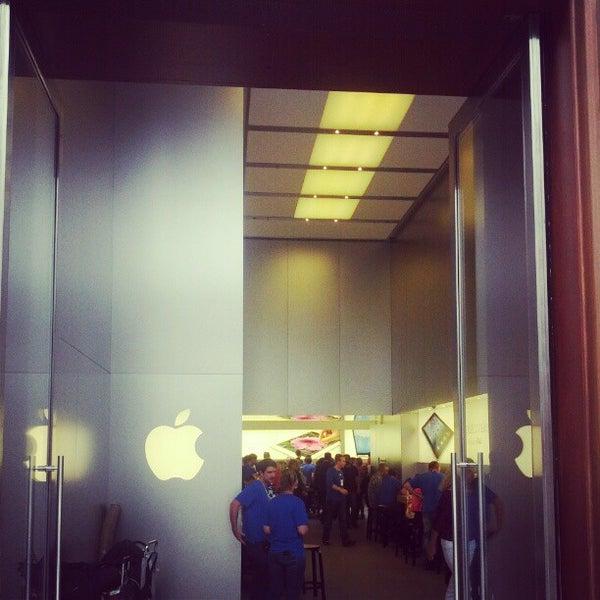 Photos at Apple Rue de Rive - Electronics Store in Genève