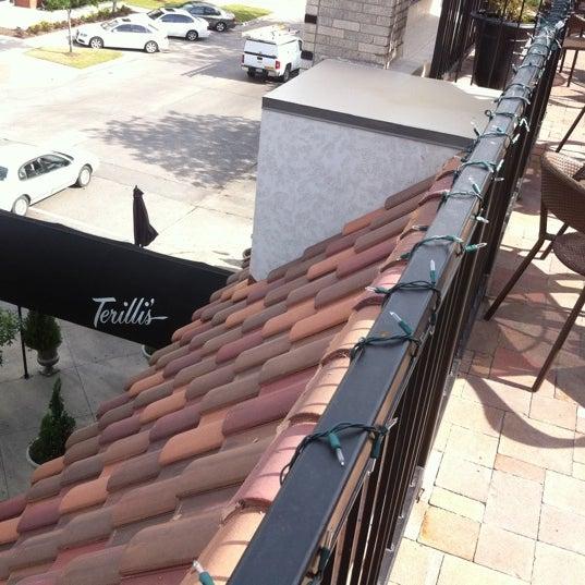 รูปภาพถ่ายที่ Terilli's โดย Steve F. เมื่อ 4/20/2012