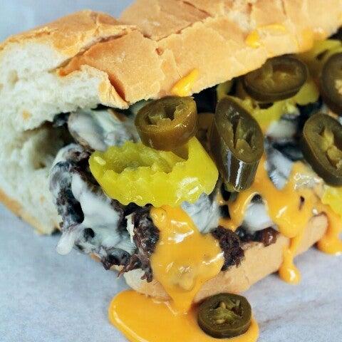Foto scattata a Woody's Famous CheeseSteaks da Steven R. il 8/25/2012