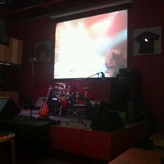 Foto tomada en Ozzie Pub por José Luiz el 7/13/2012