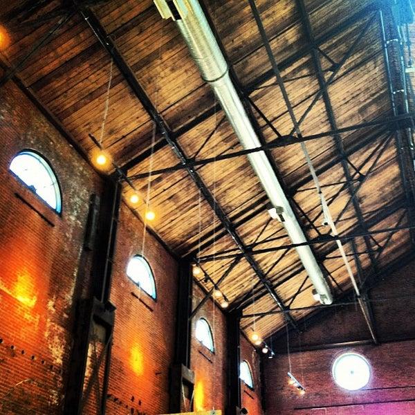 Foto tirada no(a) REI por Garrett Y. em 4/7/2012